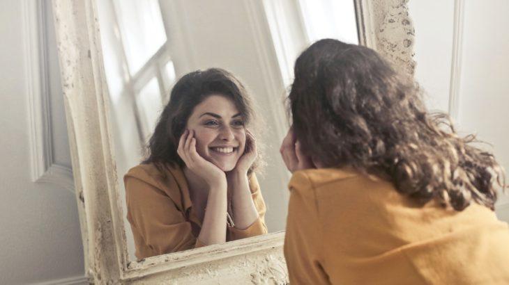 3月8日 国際女性デーとは?黄色い花ミモザで祝う理由とイタリア流の過ごし方