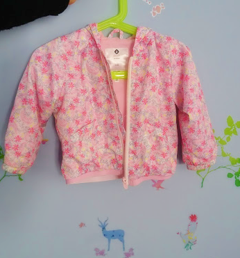 赤ちゃんの春の服で注目!外出時のアウターはナイロン素材がオススメ!