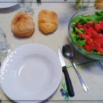 イタリアのレストランや家庭で食事する時の常識〜パンをどこに置く?