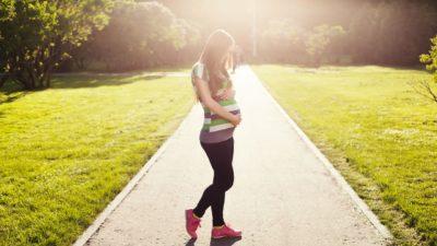 妊婦の冷え性、便秘、不眠、倦怠感対策に、今から始めて続けられる「1日5分からできるおすすめの軽い運動」4選