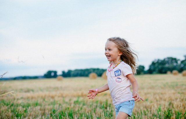 2~3歳の小さな子供におすすめの英語無料教育教材はYoutubeの歌動画!厳選5曲紹介!