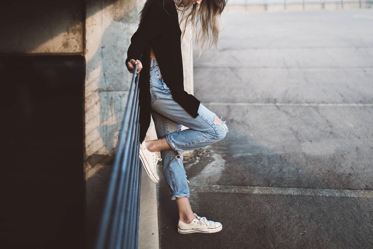 イタリア旅行×女性の靴事情!石畳の街歩き&遺跡巡りはオシャレスニーカーおすすめブランド5選!